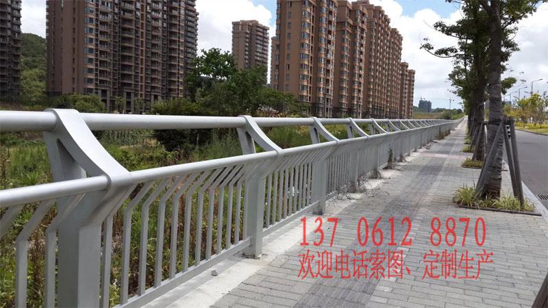 20180624171812 部分常规桥梁护栏展示(非灯光款)