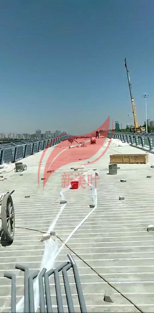 20190609150338 太原市景观河道栏杆施工完成